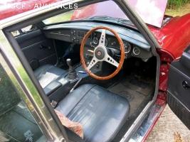 MG V8 GT