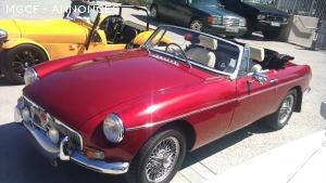 Vente de MGB cabriolet rouge 1975